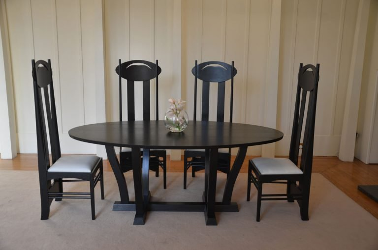 Black Lacquer Argyle Chairs with Waverly Table